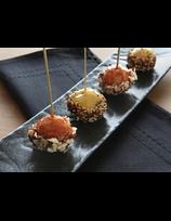 Sucettes de foie gras enrobées de sauces Pika Gorri et Pika Berdea