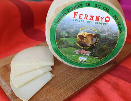 Fromage de brebis basque fermier au lait cru Feranyo (tomette)
