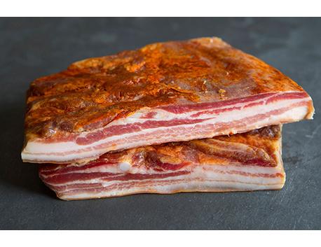 Ventrêche de porc basque plate frottée au piment