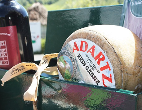 Adartza farmed ewe cheese made with unpasteurized milk