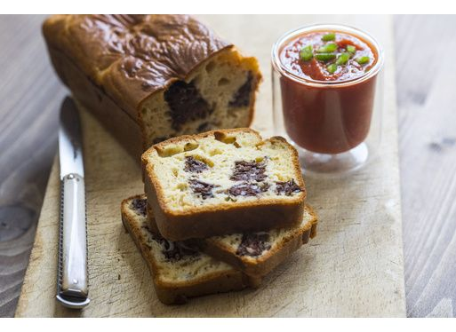 Cake au boudin basque et son gaspacho de piperade