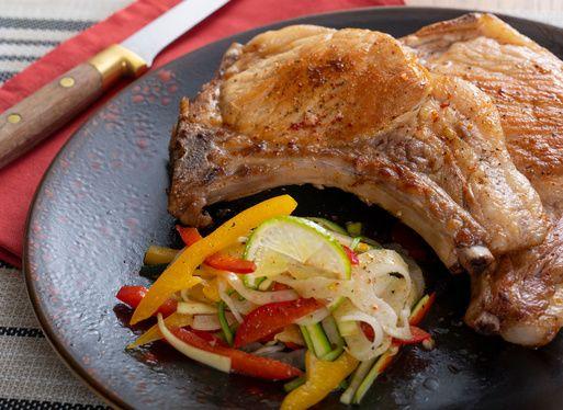 Côtes de porc de Kintoa AOP et salade estivale