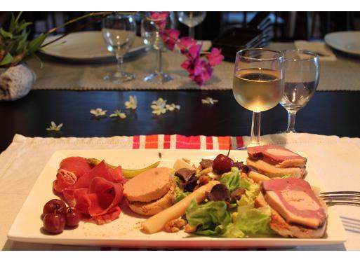 Recette de salade au foie gras, jambon et gésiers de canard